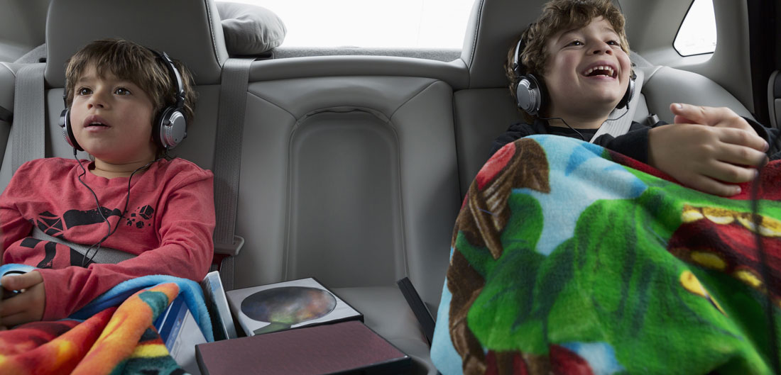 How to Keep Your Kids Busy on Road Trips